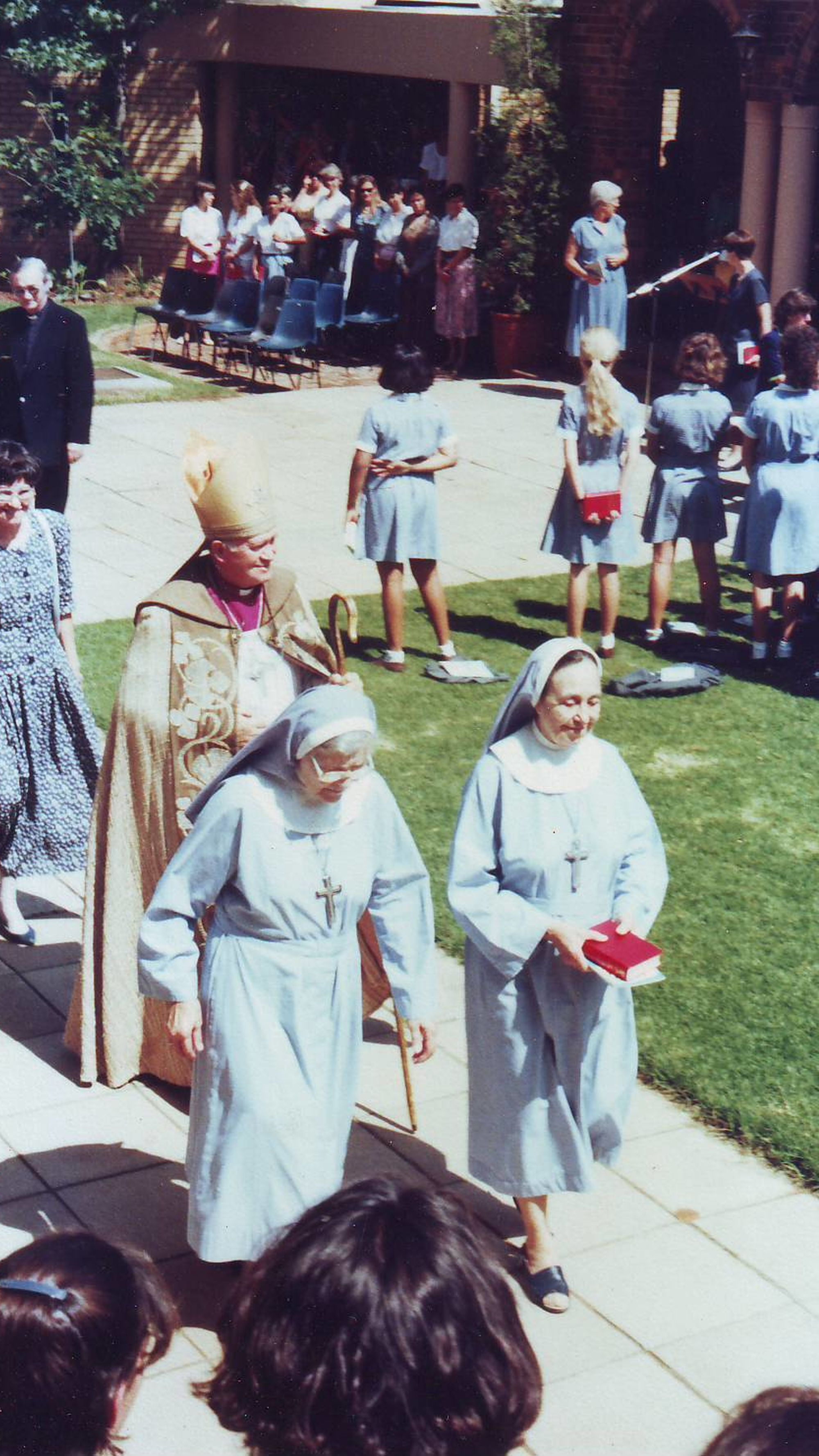 Wantage Sisters and bishop 1994